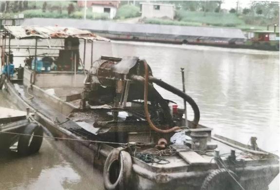 外地两男子在我县水域非法捕捞河蚬,被判刑!
